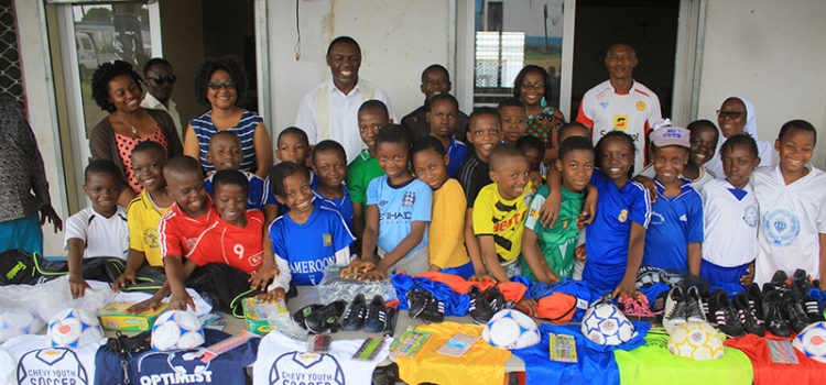 CUIB A&T receives sporting gifts from Jane and Frank Pueschel from USA